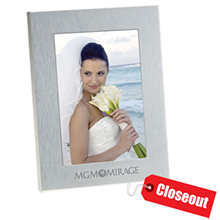 ZSS3X5<Br>CLOSEOUT<br>BRUSHED SILVER PHOTO FRAME